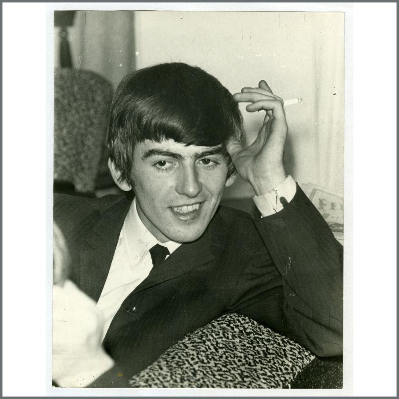 B25156 George Harrison 1964 Vintage Photograph UK