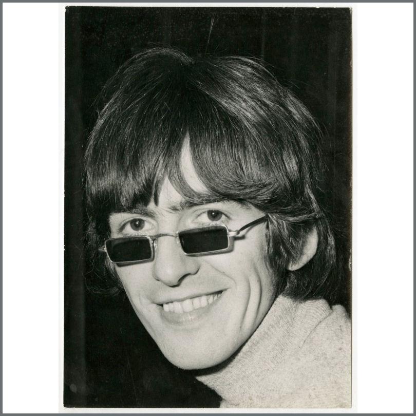 B25898 George Harrison 1966 Vintage Paperback Writer Leslie Bryce Photograph UK