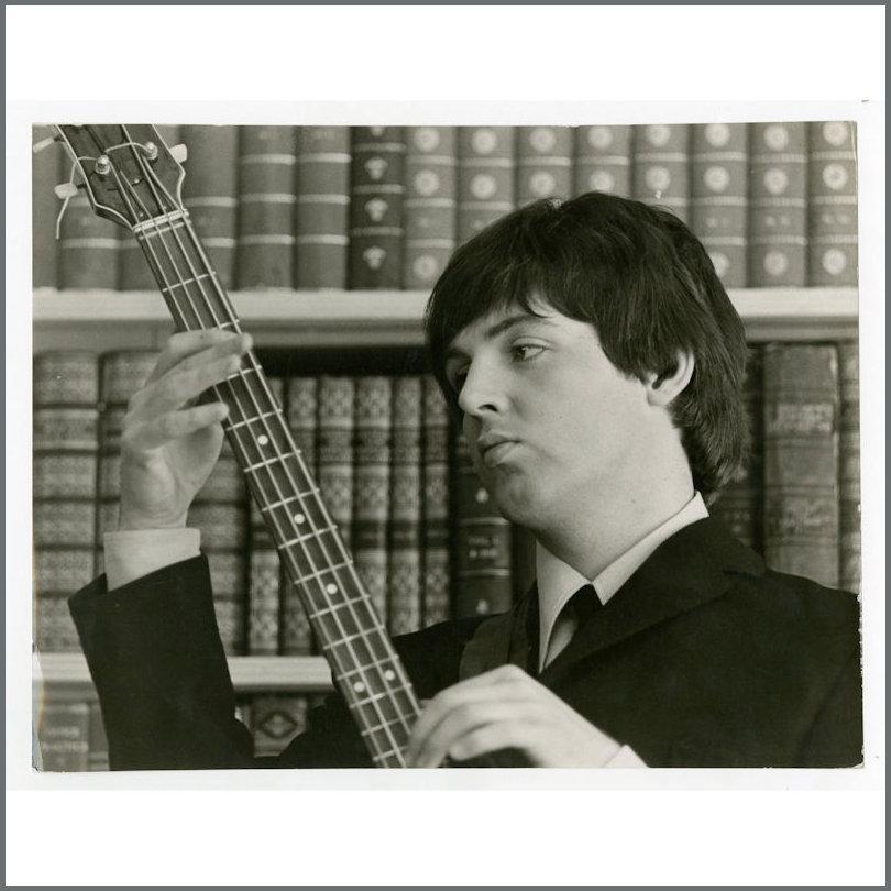 B25992 Paul McCartney 1965 Vintage Help Photograph 16 Magazine USA