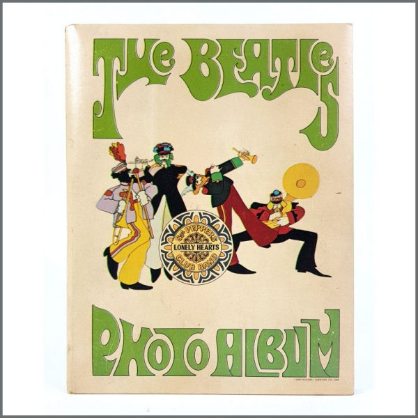 B26582 The Beatles 1968 Yellow Submarine Photo Album USA