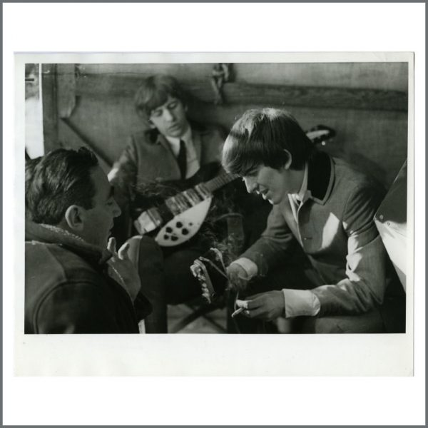 B23784 – George Harrison & Ringo Starr 1964 A Hard Day's Night Vintage Photograph (UK) 1