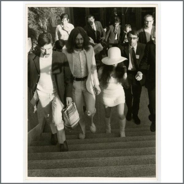 B24017 - John Lennon & Yoko Ono 1969 Vintage Wedding Day Photograph (Gibraltar)