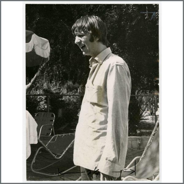B24018 - Ringo Starr 1964 Los Angeles Vintage Photograph (USA)