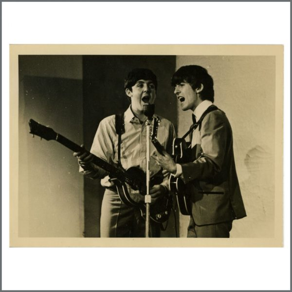 REDUCED! B24118 - The Beatles Paul McCartney And George Harrison Vintage Photograph (UK)