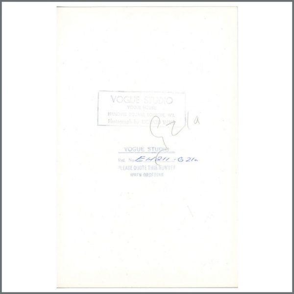 B24326 – John Lennon & Yoko Ono 1971 London Vintage Photographs (UK) 4