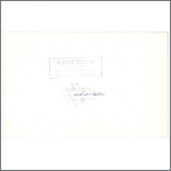 B24326 – John Lennon & Yoko Ono 1971 London Vintage Photographs (UK) 3