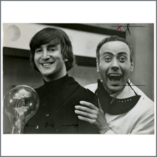 B24362 - John Lennon & Victor Spinetti 1965 HELP! Vintage Photograph