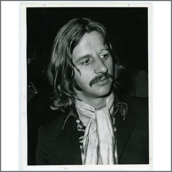 B25975 - Ringo Starr 1969 Give Peace A Chance Reception London Vintage Photograph (UK)