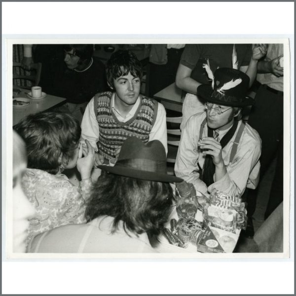 B26265 - The Beatles 1967 Magical Mystery Tour Vintage Photograph (UK)