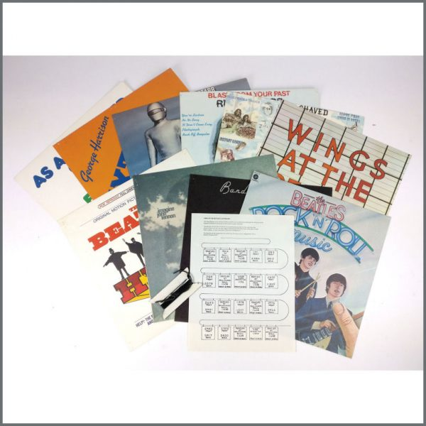 B26278 – The Beatles 1977 Capitol Records Album Cover Clothesline Promotional Shop Display (USA) 2