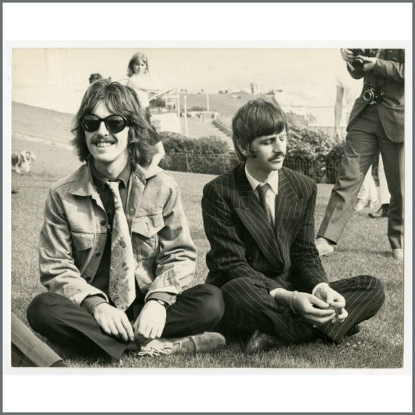 B26312 - George Harrison & Ringo Starr 1967 Magical Mystery Tour Vintage Photograph (UK)
