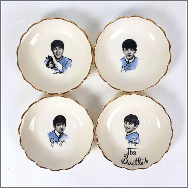 B26419 - The Beatles 1964 Set of 4 Washington Pottery Candy Dishes In Original Mailing Box (UK)