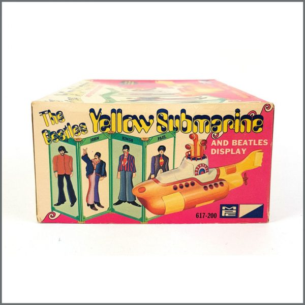 B26586 – The Beatles 1968 Yellow Submarine Model Kit (USA) 5