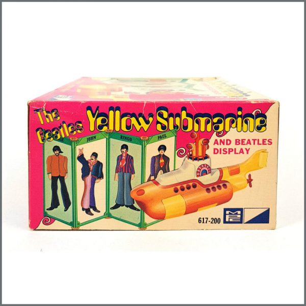 B26586 – The Beatles 1968 Yellow Submarine Model Kit (USA) 6