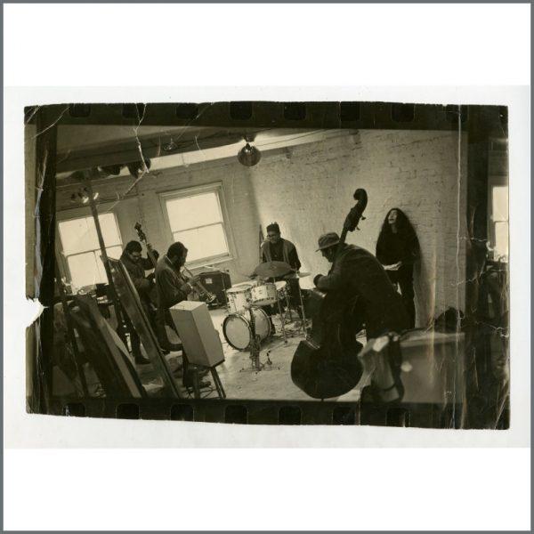 B26813 - Yoko Ono 1968 Royal Albert Hall Vintage Photograph (UK)