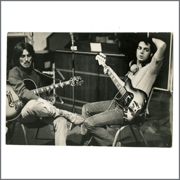 B26929 - Paul McCartney & George Harrison 1968 Vintage Linda McCartney Photograph (UK)
