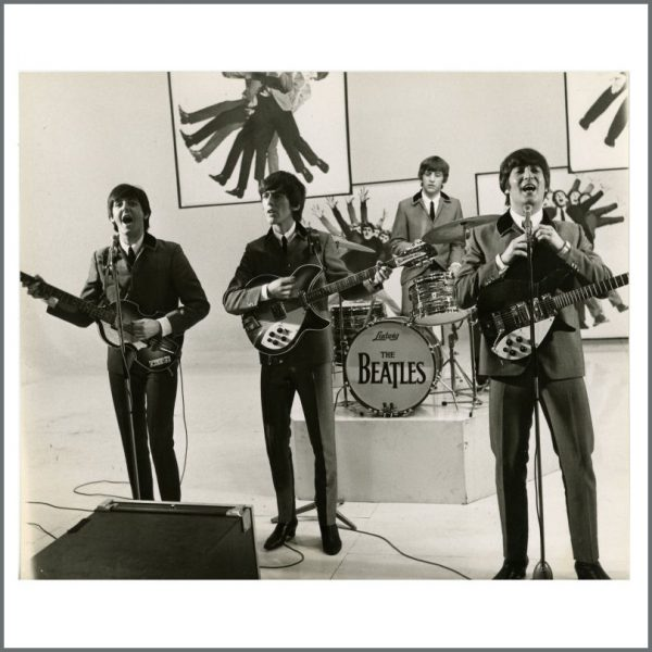 B27007 - The Beatles 1964 A Hard Day's Night Vintage Photograph (UK)