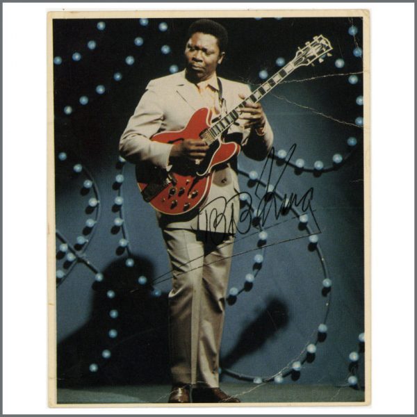B27587 - B. B. King Autographed Postcard (UK)
