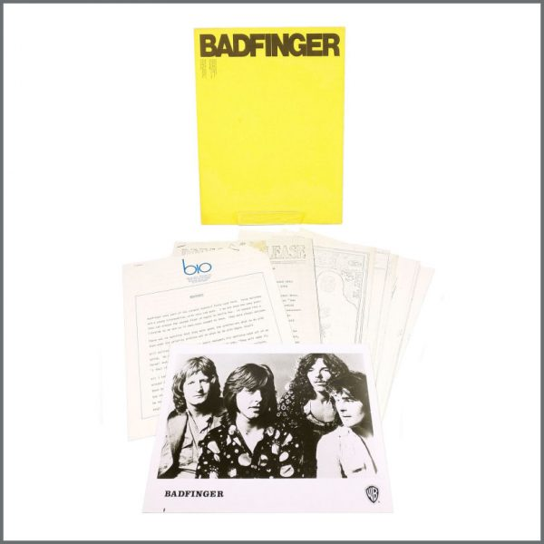 B27717 - Badfinger 1973 Warner Brothers Records Promotional Press Kit (USA)