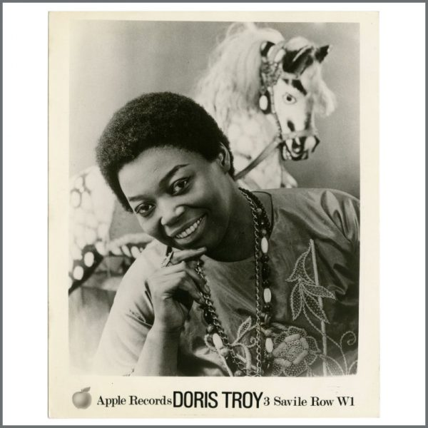 B27856 - Doris Troy 1970s Apple Records Promotional Photograph (UK)