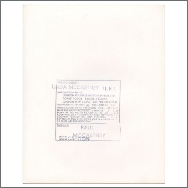 B27942 – Paul McCartney 1980 McCartney II Linda McCartney Promotional Photograph (UK) 2
