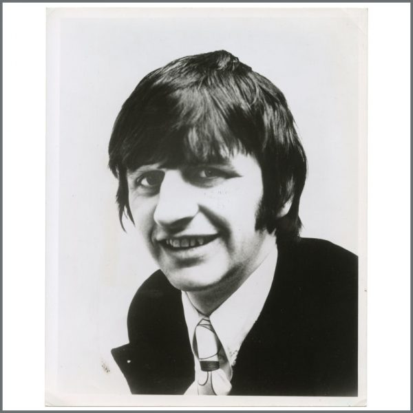 B27943 - Ringo Starr 1960s Capitol Records Vintage Promotional Photograph (USA)