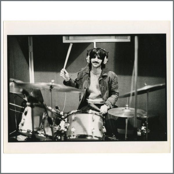 B28036 - Ringo Starr 1968 Vintage White Album Linda McCartney Photographs Rose Martin Collection (UK)