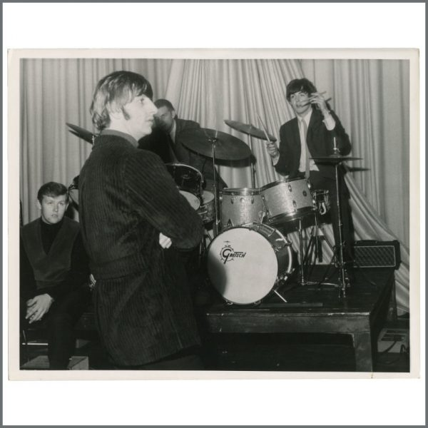 B28039 - Paul McCartney & Ringo Starr 1964 Edinburgh ABC Vintage Photograph (UK)