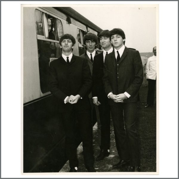 B27130 - The Beatles 1964 A Hard Day's Night Vintage Photograph (UK)